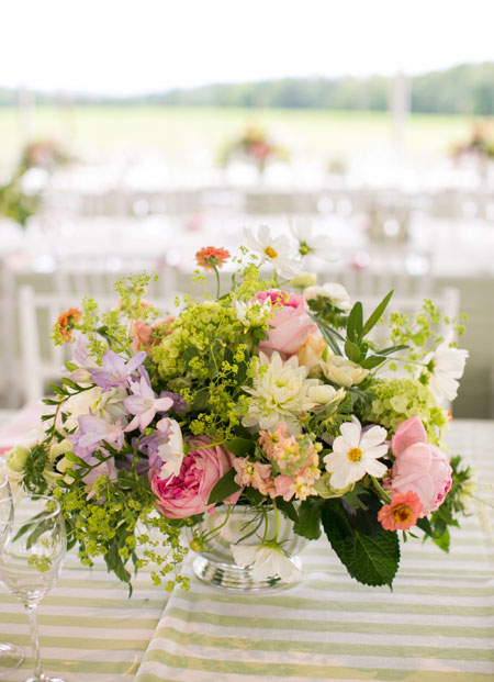 elegant-wildflower-wedding-centerpieces