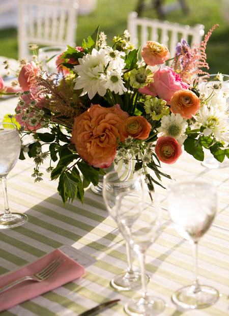 Article dekor indonesia pink and orange floral wedding centerpiece junglespirit Image collections